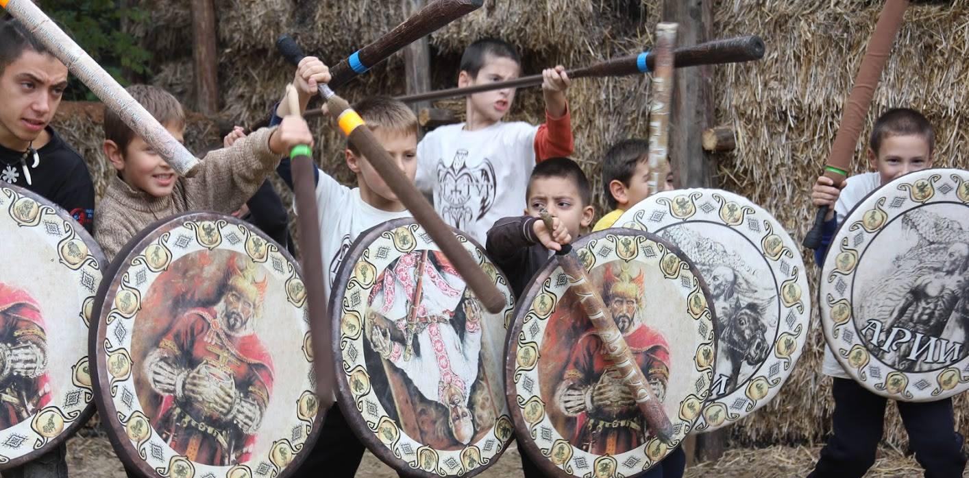 Игри с меч и щит